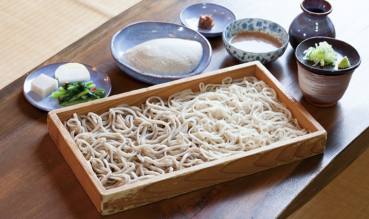 Speaking of a classic lunch, it is definitely Teuchi Soba (Handmade Soba). The extraordinary smell and flavor!